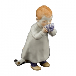 Child with Blue Onion Cup