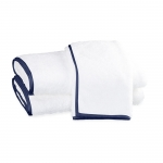 Chiaro White Tub Mat With Navy Trim
